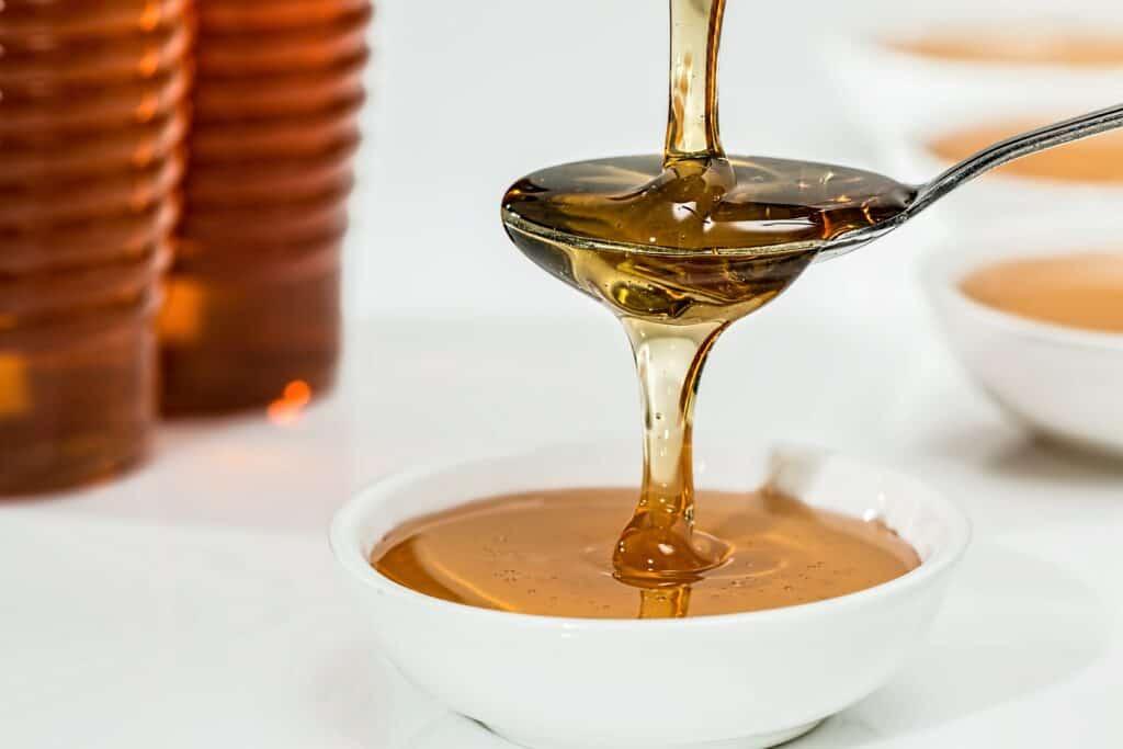 raw-organic-pure-natural-honey
